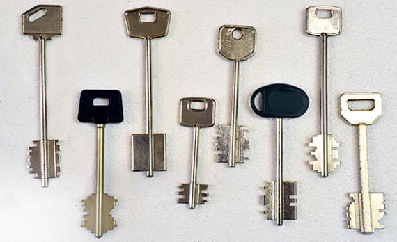Apertura e sostituzione serrature doppia mappa brescia - Doppia serratura porta blindata ...
